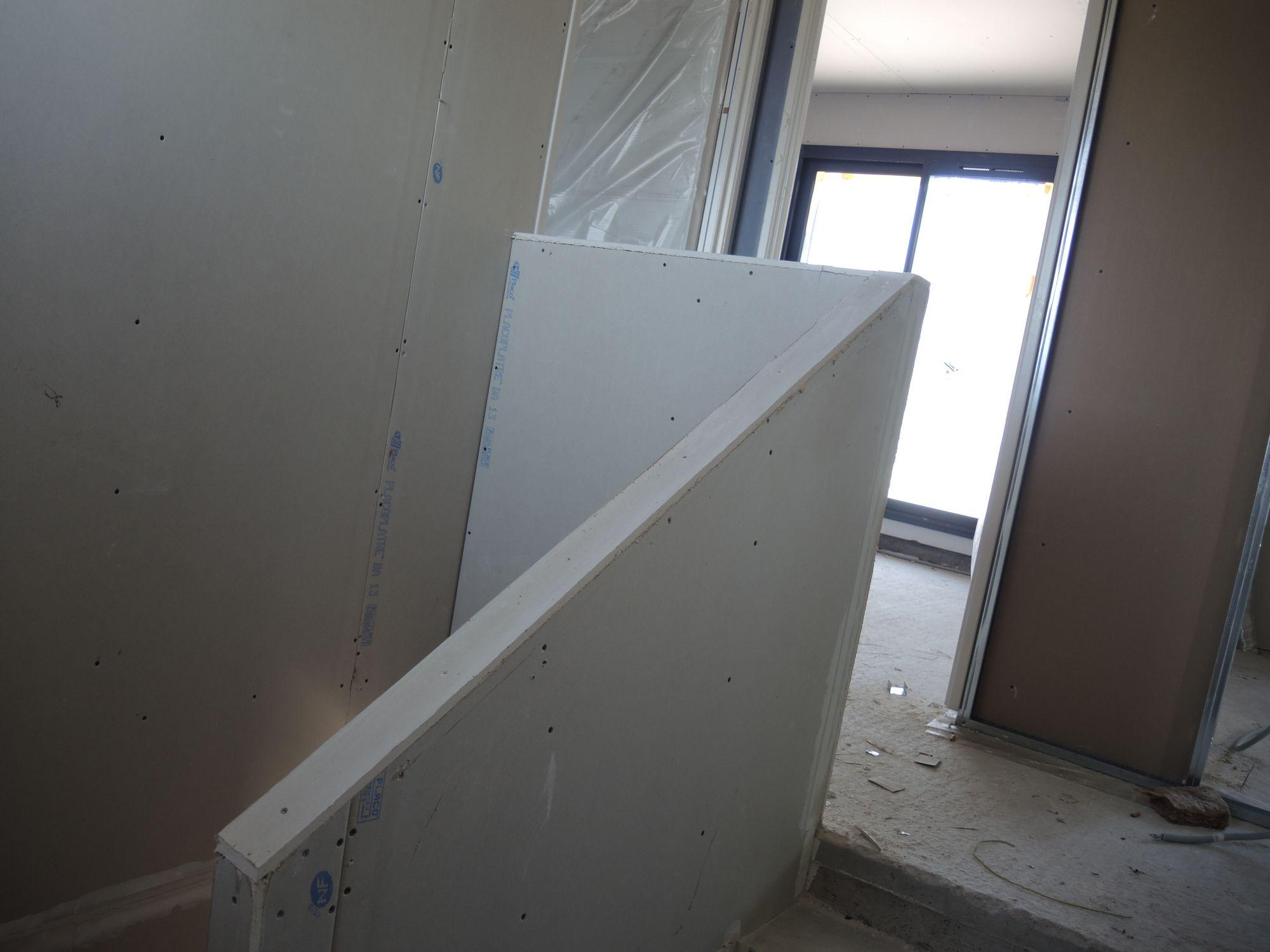 construction maisons vertes du var construction de l 39 escalier construction maisons vertes du var. Black Bedroom Furniture Sets. Home Design Ideas