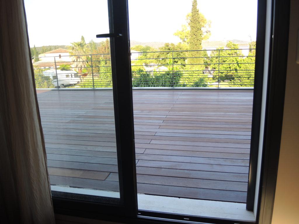 Terrasse en ipé vue chambre